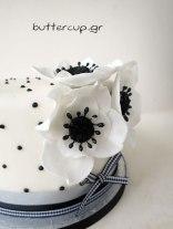 black-and-white-flower-cake