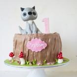 cute-forest-animal-fox-tree-trunk-cake