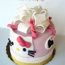 hello-kitty-mini-cake1