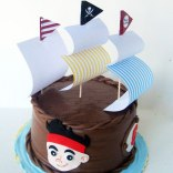 jake-and-the-pirates-ship-cake2