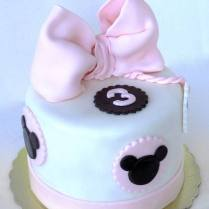 Minimal minnie cake