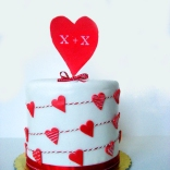 red hearts cake-7Wtr