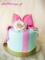 roses and bow cake-8wtr