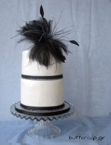 strass-and-feather-cake