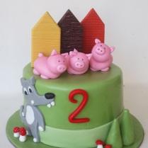 three-little-pigs-cake