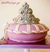 tiara pillow cake-1wtr