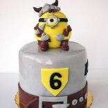 Viking-Minion-cake