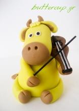 violinist bull topper