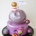 girly-astronaught-cake