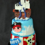 pirate-ship-two-tiered-cake