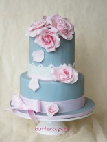 roses-in-bloom-two-tier-cake